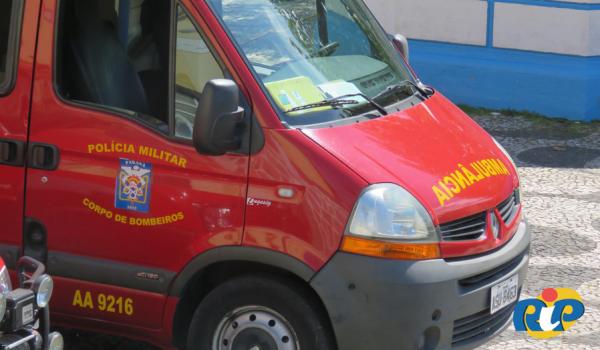 Corpo de Bombeiros atende colisão entre auto X moto no Rocio I