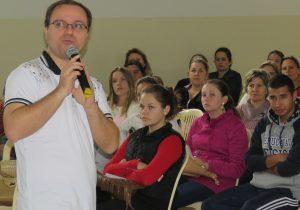 Hoje acontece formação e Missa com catequistas, pais e catequizandos na Paróquia