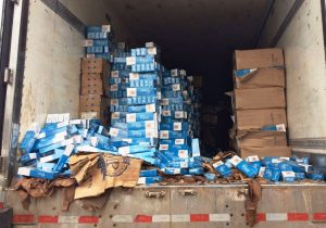Policia localiza cargas de cigarros contrabandeados no interior de Palmeira