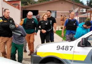 Dos três fugitivos da Delegacia de Palmeira um deles continua foragido