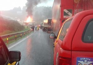 Mais um grave acidente na BR 277 deixa rodovia bloqueada
