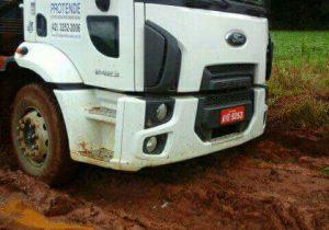 Caminhão furtado em Palmeira