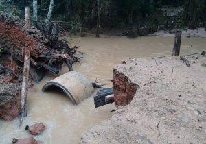 Secretaria de Obras realiza reparos por danos causados pela chuva