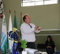 João Carlos Hoffmann foi o responsável pela palestra e pela visita realizada em áreas do local.