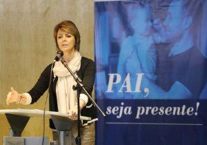 Agosto Azul no Paraná incentiva a paternidade responsável
