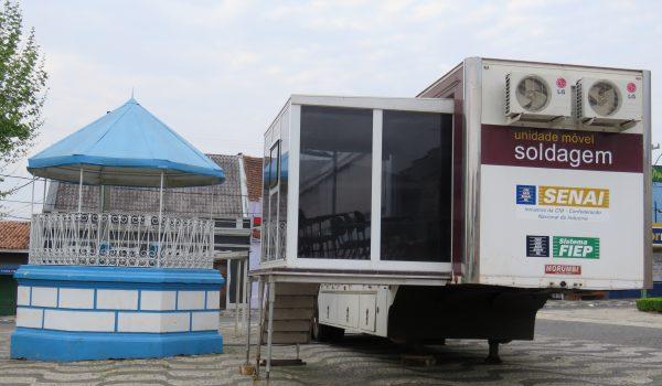 Unidade móvel do Senai oferece curso de solda em Palmeira