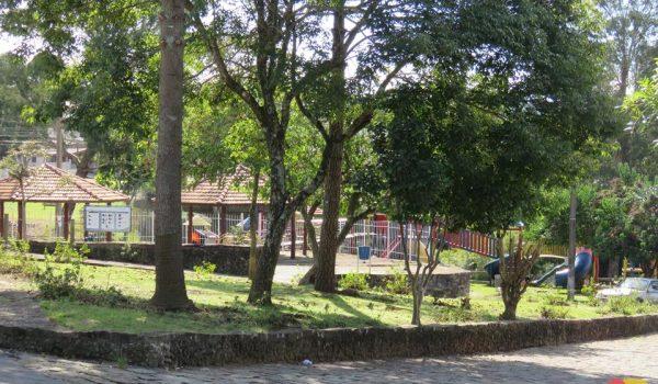 Licitação irá conceder publicidade em espaços públicos em troca de manutenção de jardinagem