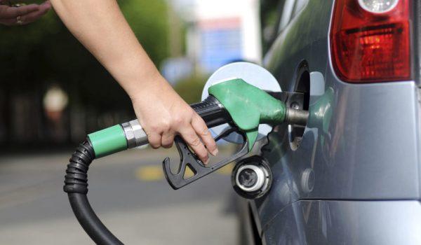 Gasolina e diesel passam por novo aumento de preços nas refinarias