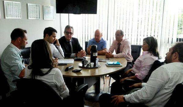 Prefeito e diretor do Colégio Agrícola de Palmeira solicitam melhorias para o município