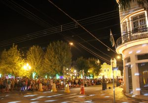 Cantata de Natal reúne centenas deespectadores na Praça da Matriz