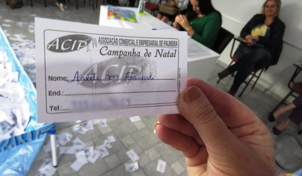 ACIP sorteou R$ 19,9 mil em vale compras neste Natal