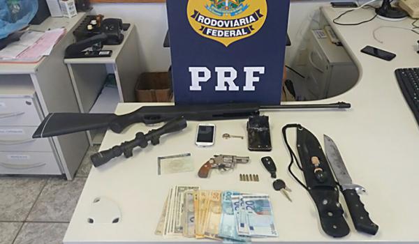 Três pessoas foram presas em Palmeira, após assaltarem uma família em Curitiba