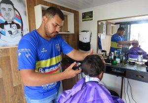 Palmeira recebe primeira barbearia sobre rodas