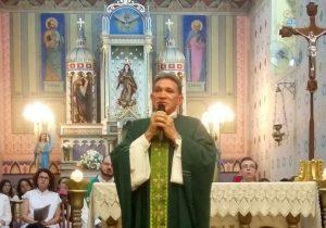 Paróquia comemora aniversário do Padre Naves