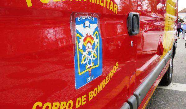 Corpo de Bombeiros atende acidente de trânsito em Benfica
