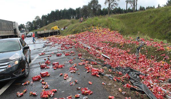 Carga com mais de 147 mil reais em cervejas é saqueada na BR 277
