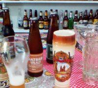 Suas cervejas vendidas tanto em barril como em garrafa podem ser adquiridas na sede da NatBier