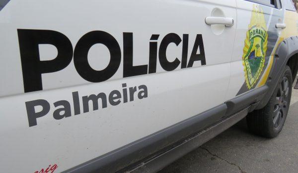 Homem armado rouba malote de dinheiro e motocicleta na Rua Conceição