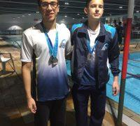 João Carlos ganhou duas medalhas de bronze no 100 costa e 50 livre e Luigi Maciel conquistou o título de Vice Campeão Sul-Brasileiro no 100 peito