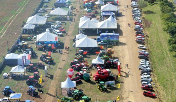 Feira de Agronegócio e Exposição Comercial marcam início da 10ª Expo Palmeira
