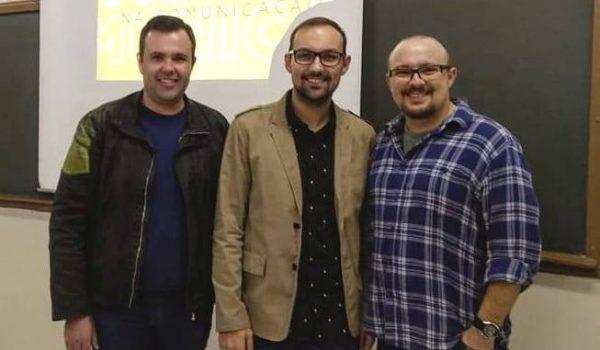 Designer palmeirense ministrou palestra para acadêmicos de jornalismo da Secal