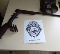 espingarda calibre .36, marca Rossi, numero de série ilegível desmuniciada, e também sete cartuchos calibre .28