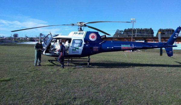 Bebê é transportado de helicóptero para hospital de Curitiba