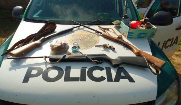 Polícia Ambiental localiza armas sem registro e aves abatidas