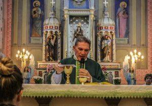 Missa marcou os 200 anos da chegada do primeiro Pároco a Palmeira