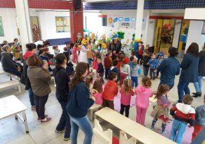 Educadoras da rede municipal de Educação trabalham a cultura brasileira na Semana do Folclore