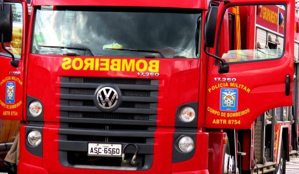 Corpo de Bombeiros atende colisão entre motocicletas na Colônia Francesa