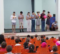 O Prêmio Arte Paraná seleciona e premia espetáculos de Circo, Dança, Música e Teatro, visando a circulação e apresentação em todo o Estado.