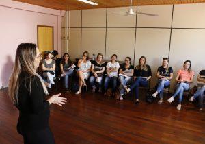 Secretaria de Educação realiza escolha dos livros didáticos da rede municipal de ensino