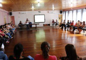 Secretaria de Educação promove encontro com pais