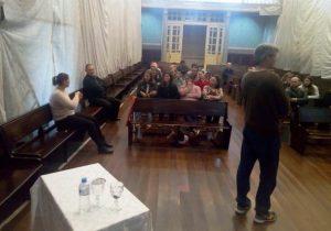 Paróquia reúne novos ministros para formação