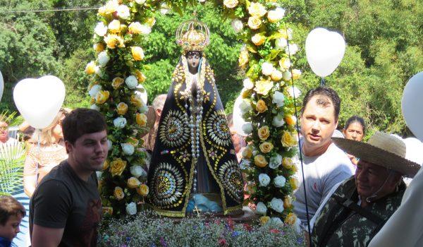 Há 36 anos Colônia Francesa celebra a festa de Nossa Senhora Aparecida