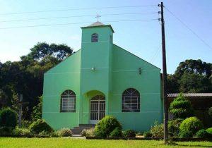 Comunidade de Paiol do Fundo estará em festa neste domingo (21)