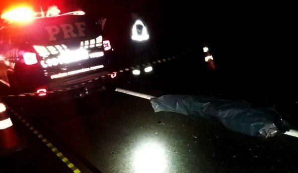 Vítima não identificada é atropelada na BR 277, em Palmeira