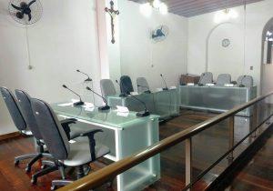 Câmara Municipal recebe novas mesas