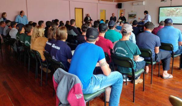 Parceria entre Emater e Prefeitura contribui conhecimento de agricultores