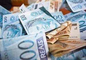 Primeira parcela do 13º salário deve ser paga até esta sexta-feira (30)