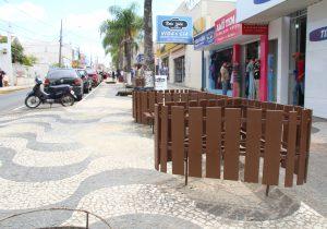 Reforma irá revitalizar bancos e floreiras do calçadão da Rua Conceição
