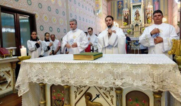 Sétimo dia da novena com a benção das famílias foi celebrada pelo último Pároco