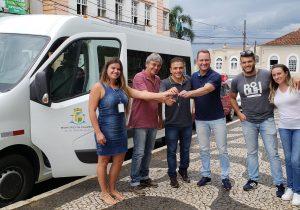Deputado Aliel Machado vem a Palmeira para entrega da van adaptada