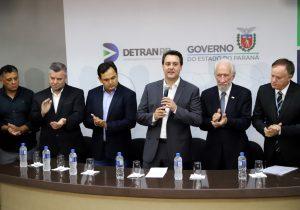 Governador comunica redução de preços de serviços do DETRAN