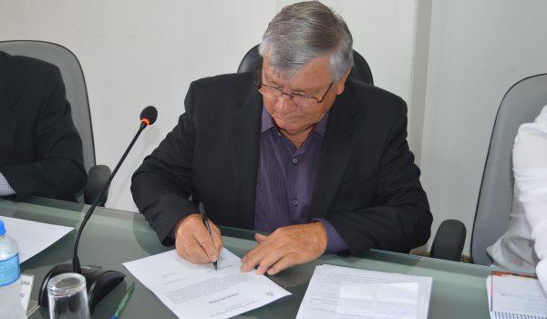 Pela terceira vez, o Vereador Domingos Everaldo Kuhn tomou posse como presidente do legislativo municipal