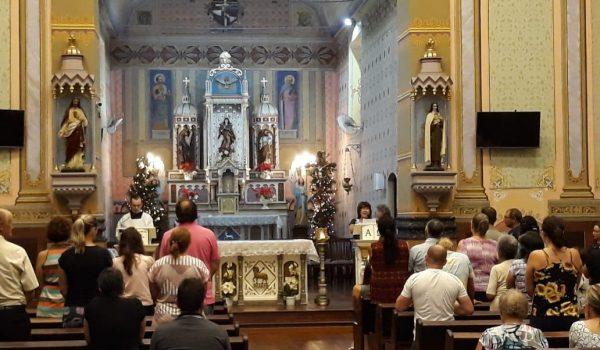 Oração do Santo Terço deu início às celebrações do dia 08 de cada mês