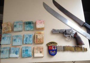 PM aborda grupo de ciganos e apreende arma de fogo, munições e dinheiro