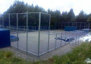 Empresa inicia instalação da mini arena poliesportiva no Rocio II