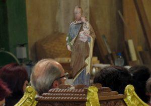 Marcenaria abre as portas para missa em louvor a São José